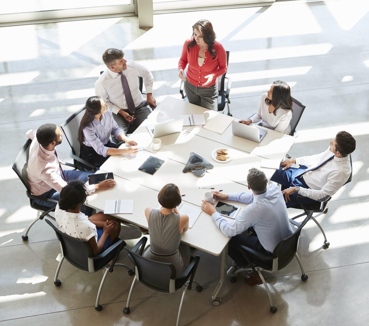 Sa janë të nevojshme mbledhjet në punë?