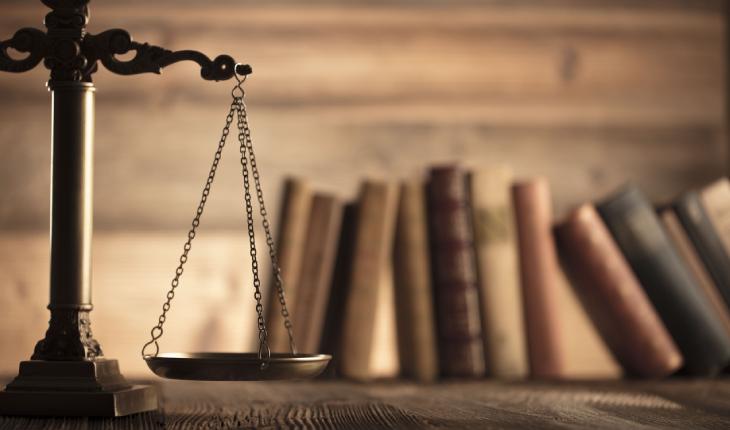 Cilat profesione mund t'i ushtroni në Kosovë nëse keni diplomë në juridik?
