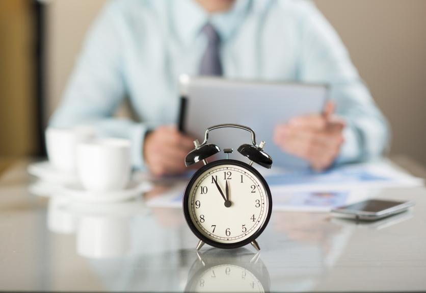 Nga puna praktike në punë me orar të plotë, si ta realizoni?