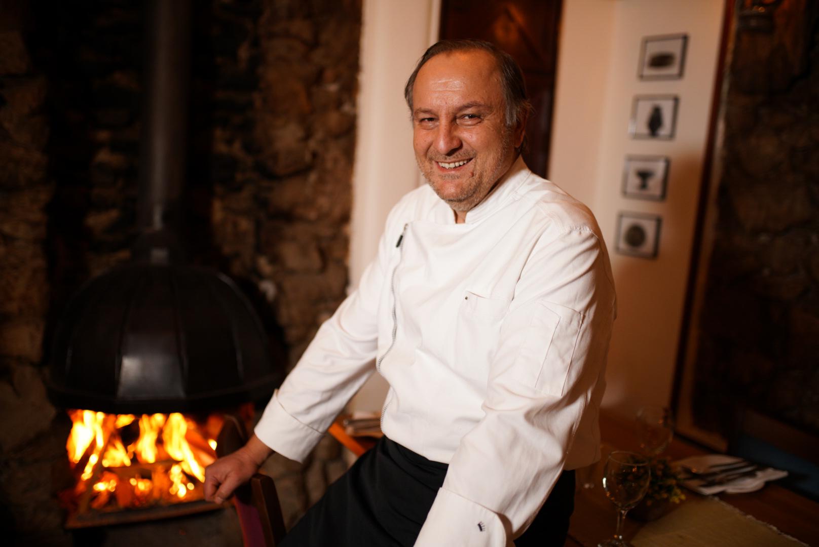 Arsim Mehmeti, kuzhinieri me mbi 30 vite përvojë pune