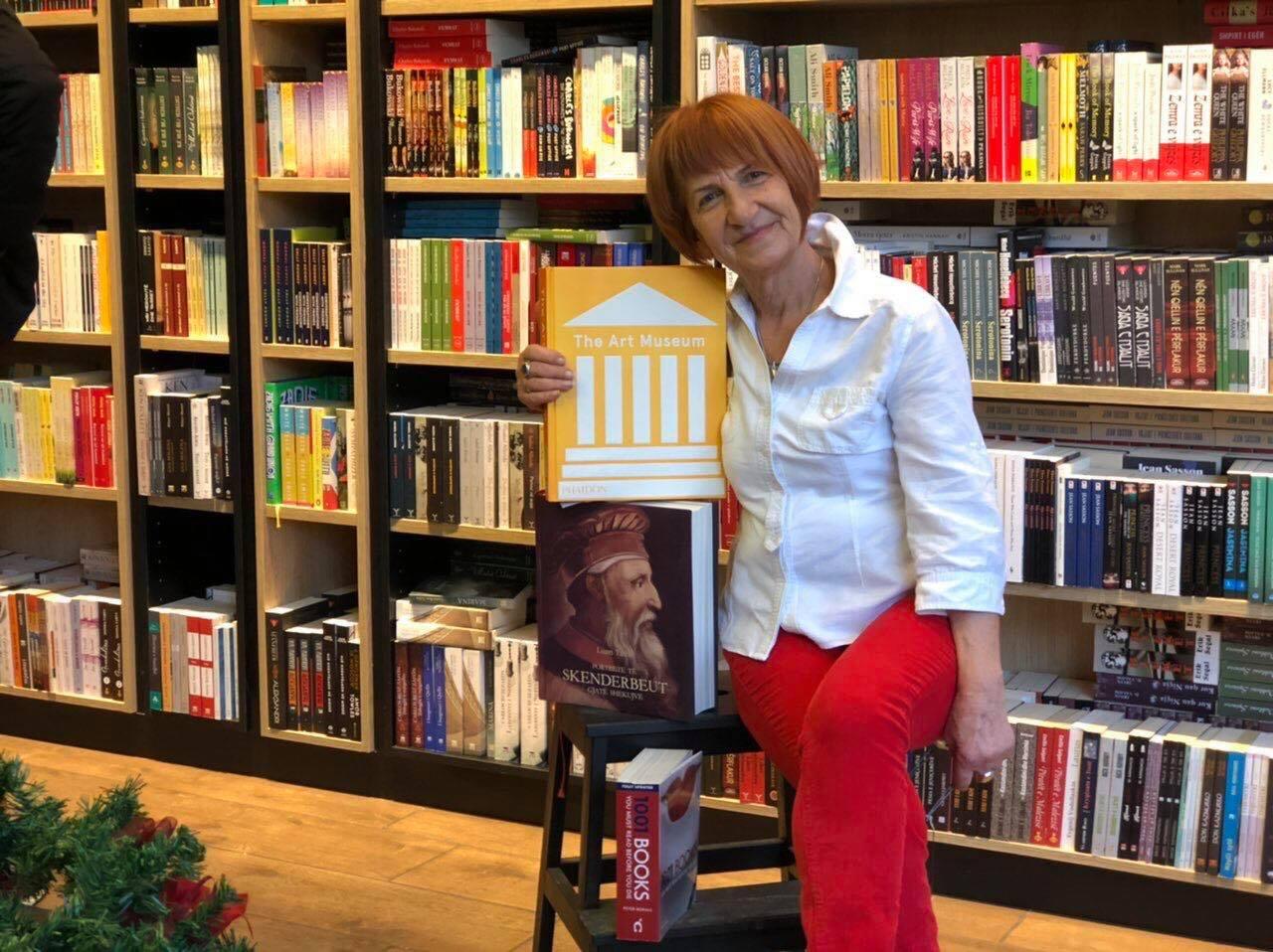 Sabahete Çavdarbasha – personi që vazhdon të frymëzoj rininë për rëndësinë e librit