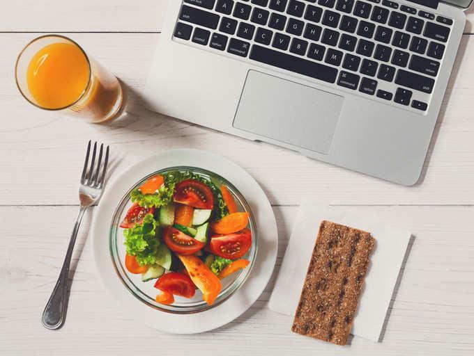 7 ushqimet  më të mira për t'i ngrënë përpara takimeve të rëndësishme